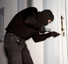 Risultati immagini per la serratura e il ladro
